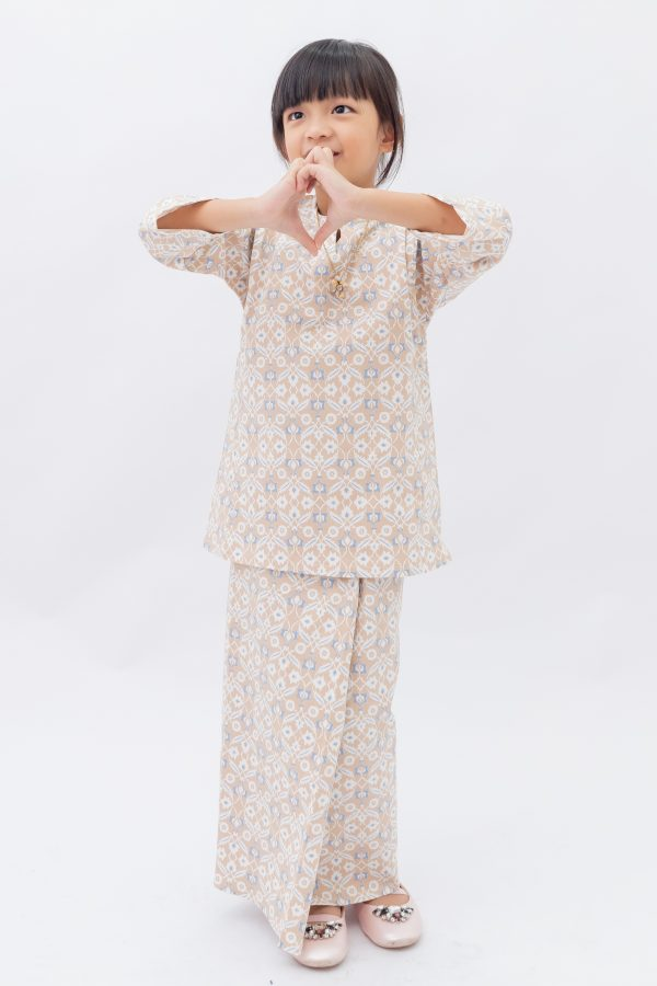KURONG RAYA E. (elastic cotton) in Begonia 1